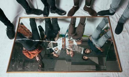 'Gran Pantalla' de Biznaga, representa la vida moderna