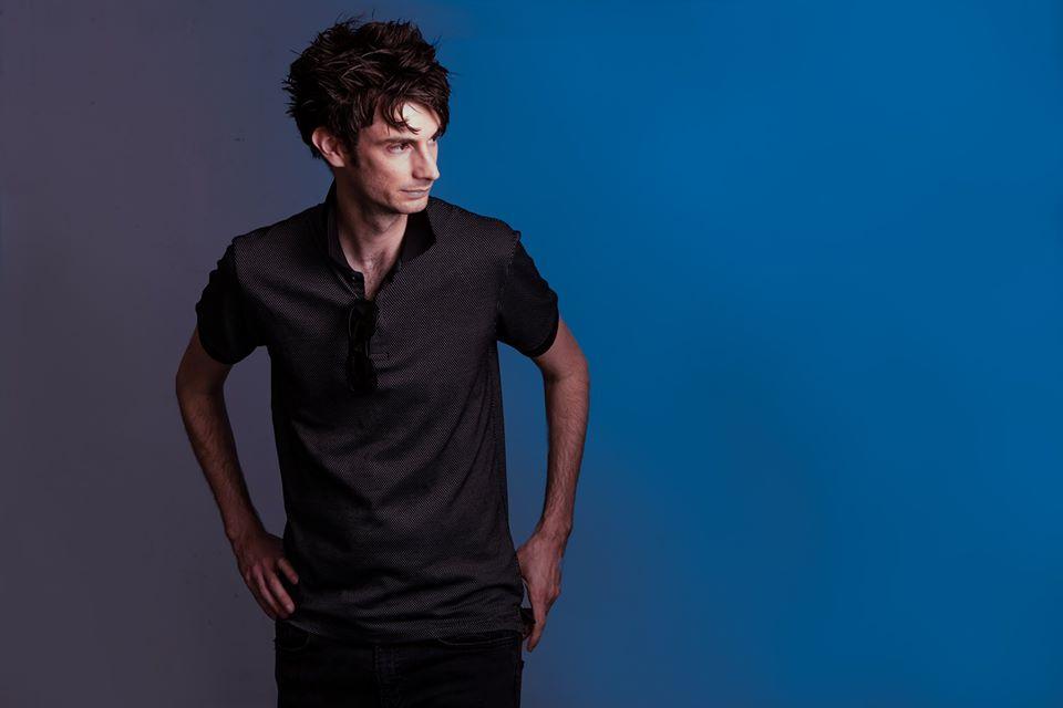In Silo abraza la soledad en su álbum debut, Souvenir