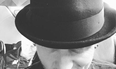 Corey Taylor anuncia su primer álbum solista  y comparte dos canciones