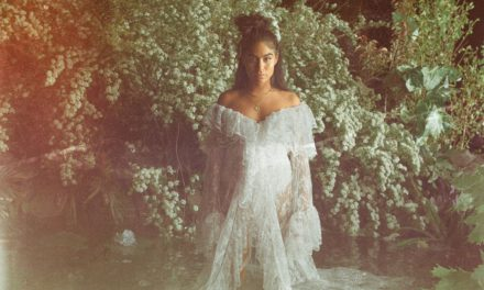 Jessie Reyez lanza video de «Before Love Came To Kill Us»