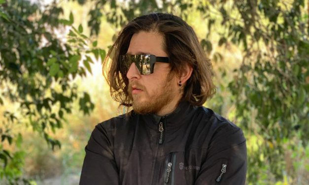 Así suena el «2020» del músico mexicano Wazowski