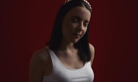 Lolita De Sola presenta un poderoso sencillo: «Mujer»