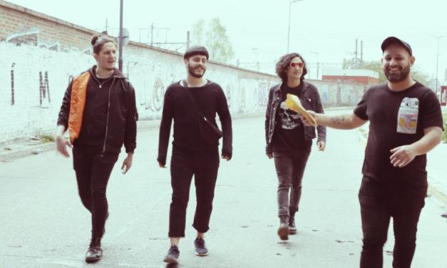 La banda argentina Los Bilis, estrena video de «La Tele»