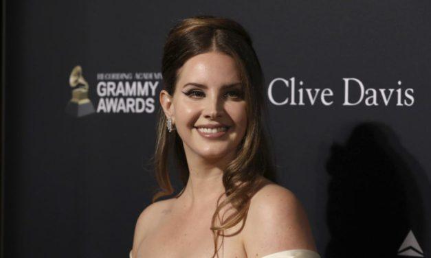 """Lana Del Rey anunció fecha para su nuevo disco: """"Blue Banisters"""""""