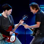 Josh Klinghoffer ex miembro de RHCP será el nuevo guitarrista de Pearl Jam