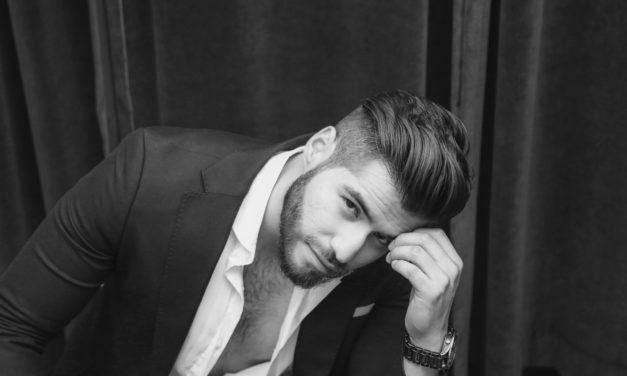 Hugo Molina Vuela Alto en la Música